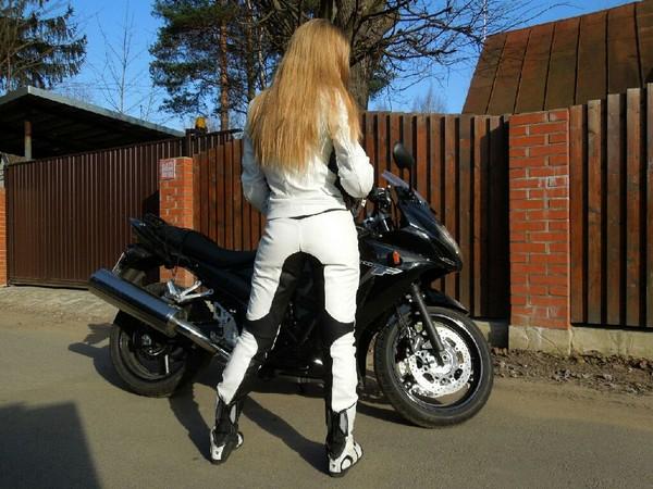 Фотогалерея обзор мотокомбинезона для женщин фото - 2