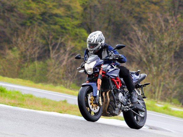 Фотогалерея характеристики мотоциклов Stels 600 Benelli фото - 8