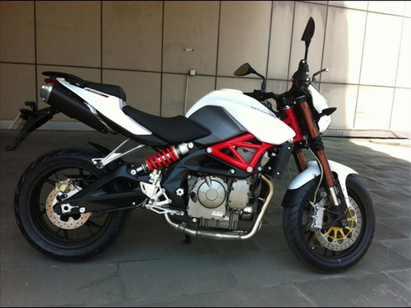 Фотогалерея характеристики мотоциклов Stels 600 Benelli фото - 9
