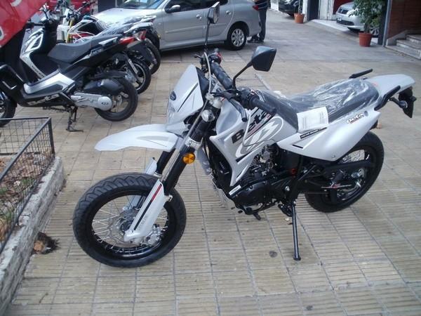Фотогалерея мотоцикла Motard 200 фото - 3